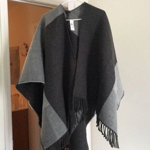 Ann Taylor Pancho.    NEVER USED.  VERY NICE